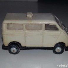 Coches a escala: MINI CARS ANGUPLAS : AMBULANCIA DKW Nº 29 MADE IN SPAIN AÑOS 50 / 60 ESCALA 1/86. Lote 77186609