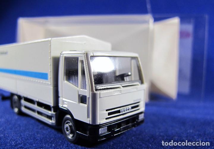 Sondermodell Formula Wiking 1:87 Iveco EuroStar Eurokoffer-Sattelzug