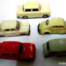 Coches a escala: LOTE DE 5 COCHES ANTIGUOS AÑOS 60-70. Lote 81079628