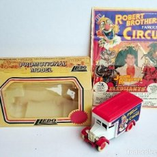 Coches a escala: 1988 LLEDO PROMOTIONAL SERIE 84 DE 1000 - LP 16 DENNIS REMOVALS VAN - ROBERT BROTHERS CIRCUS. Lote 93144320
