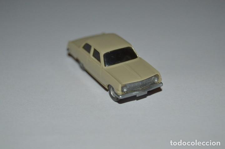 Coches a escala: Opel Rekord modelo 63 - 8R - WIKING - H0 1:87 - años finales 60 primeros 70 - Foto 3 - 96839515