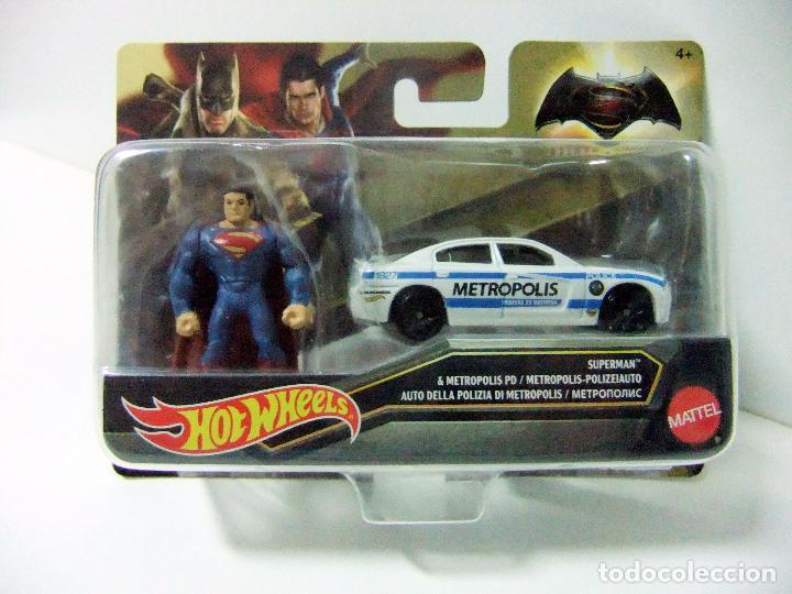 Hot Wheels Superman /& Metropolis PD Fahrzeug 1:64