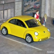 Coches a escala: COCHE VOLKSWAGEN NEW BEETLE - JOHNNY LIGHTNING. Lote 105333163