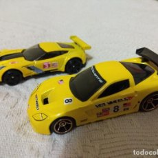 Auto in scala: HOT WHEELS CORVETTE C6.R Y C7.R LE MANS 1/64. Lote 108065607
