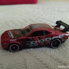 Auto in scala: HOT WHEELS DODGE CHALLENGER DRIFT CAR 2011 PRIMERA EDICION 1/64. Lote 110032359