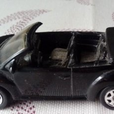 Coches a escala: 1-WELLY-VW NEW BEETLE CONVERTIELE- ESCALA- 1:64 MUY ANTIGUO. Lote 111924259