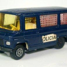 Coches a escala: CAMION MERCEDES BENZ GUISVAL VINTAGE 1970-75 MADE IN SPAIN - POLICIA ASALTO SWATT. Lote 113677047