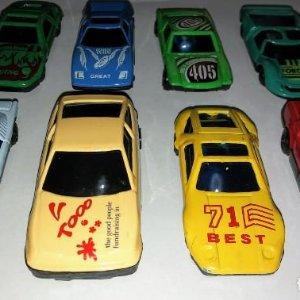 8 coches 7cm