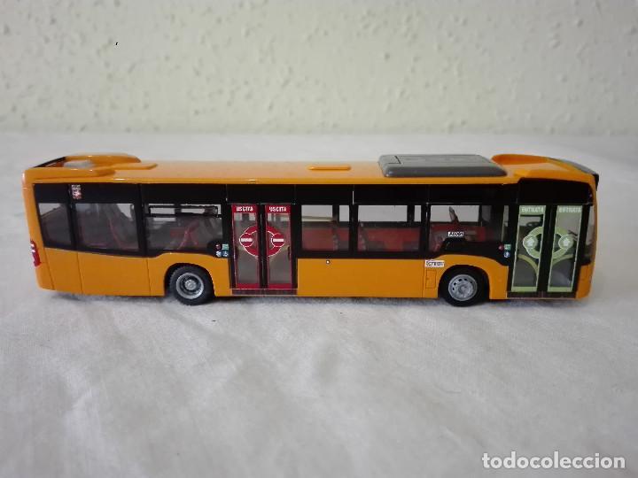 ESCALA 1//87 MERCEDES-BENZ CITARO RIETZE 69445 AUTOBÚS DE LIVORNO