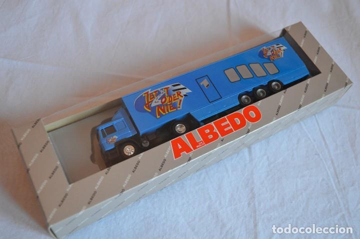 Coches a escala: Camión con semirremolque Man LKW F90. Esc. 1/87. Albedo. romanjuguetesymas. - Foto 2 - 118810679
