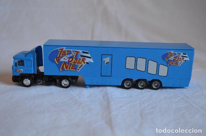 Coches a escala: Camión con semirremolque Man LKW F90. Esc. 1/87. Albedo. romanjuguetesymas. - Foto 5 - 118810679