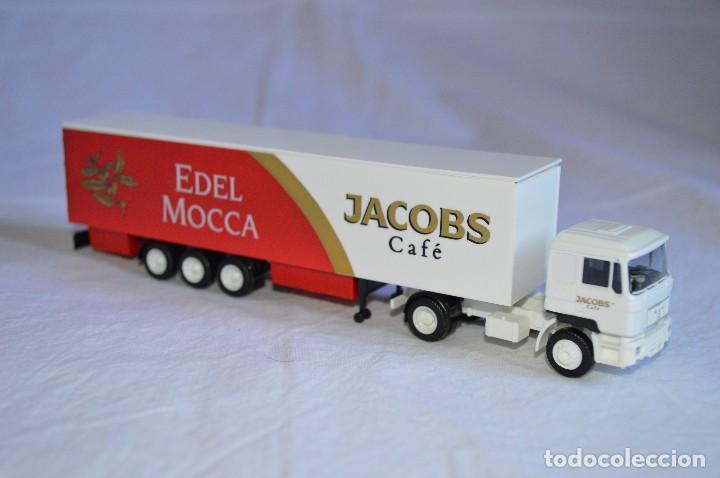 Coches a escala: Camión con semirremolque Man LKW F90. Jabobs café. Esc. 1/87. Albedo. romanjuguetesymas. - Foto 7 - 118824971