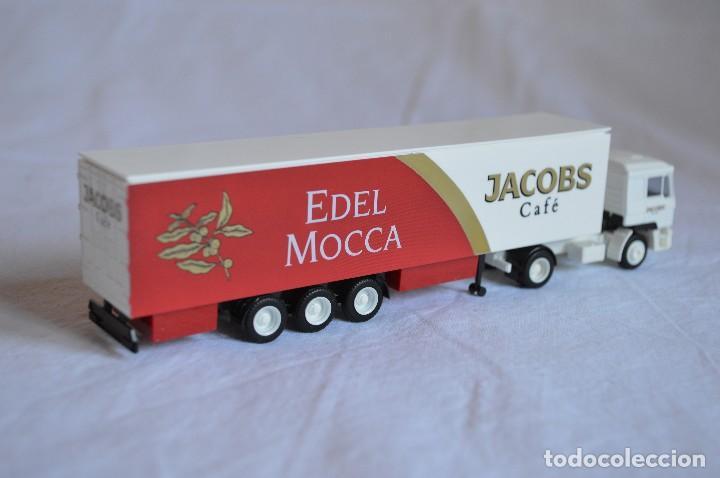 Coches a escala: Camión con semirremolque Man LKW F90. Jabobs café. Esc. 1/87. Albedo. romanjuguetesymas. - Foto 8 - 118824971
