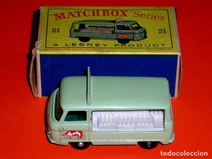 Coches a escala: Commer Milk Bottle Float ref. 21-C, metal esc 1/75, Lesney Matchbox England, año 1961. Con caja. - Foto 3 - 122233127