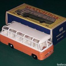 Coches a escala: MERCEDES COACH BUS REF. 68-B, METAL ESC 1/75, LESNEY MATCHBOX ENGLAND, AÑO 1965. CON CAJA.. Lote 126259883