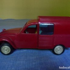 Coches a escala: SANCHIS FURGONETA CITROEN DOS CABALLOS 2 CV COLOR ROJO MUY DIFICIL. Lote 130045411
