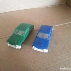 Coches a escala: 2 COCHES DE PLASTICO TRIUMPH 2000 Nº 4 MADE IN ENGLAND ANTIGUOS. Lote 130267894