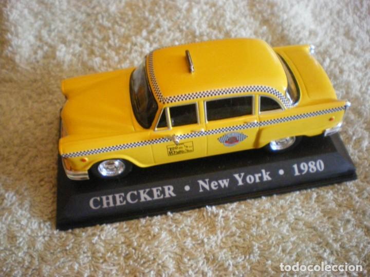 TAXI NUEVA YORK AMARILLO CHECKER 1980 (Juguetes - Coches a Escala Otras Escalas )
