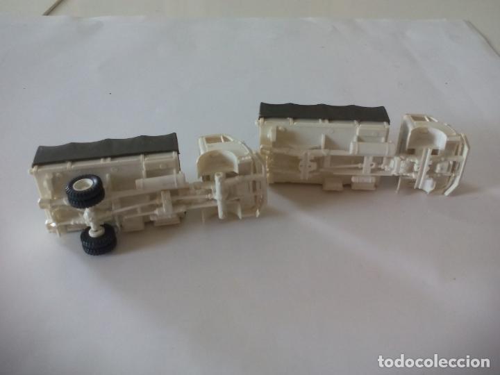 Coches a escala: ROCO. made in AUSTRIA. 2 CAMIÓNES MILITAR DE TRANSPORTE DE SOLDADOS. miniatura, maqueta, modelismo. - Foto 4 - 132572890