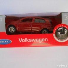 Carros em escala: VOLKSWAGEN GOLF V / WELLY NEX / COCHE MINIATURA ESCALA 1 / 60 EN CAJA ORIGINAL. Lote 133578302