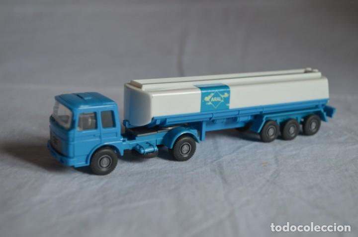 Coches a escala: Camión Man cisterna para combustible. Ref. 542. Esc. 1/87. Wiking. romanjuguetesymas - Foto 6 - 135024414