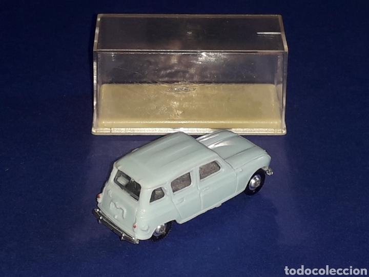 Coches a escala: Renault 4 4L, plástico esc. 1/86 H0, Microminiatures Norev tipo Anguplas, original años 60. - Foto 4 - 135171354