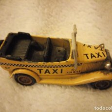Coches a escala: LLEDO DAYS GONE FORD TAXI ENGLAND. Lote 135534958