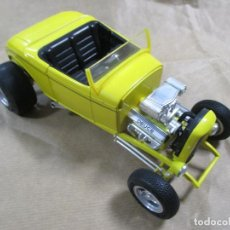 Coches a escala: ANTIGUO COCHE DE METAL. ERTL. FORD TRADEMARK IS USED UNDER LICENSE. DEUCE. 20 CM. Lote 137972630