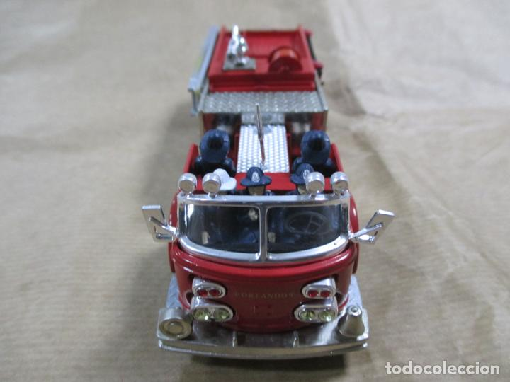 Coches a escala: CAMIÓN DE BOMBEROS DE METAL. CORGI. MADE IN CHINA. AMERICAN LA FRANCE FIRE PUMPER. 16 CM - Foto 5 - 138755062