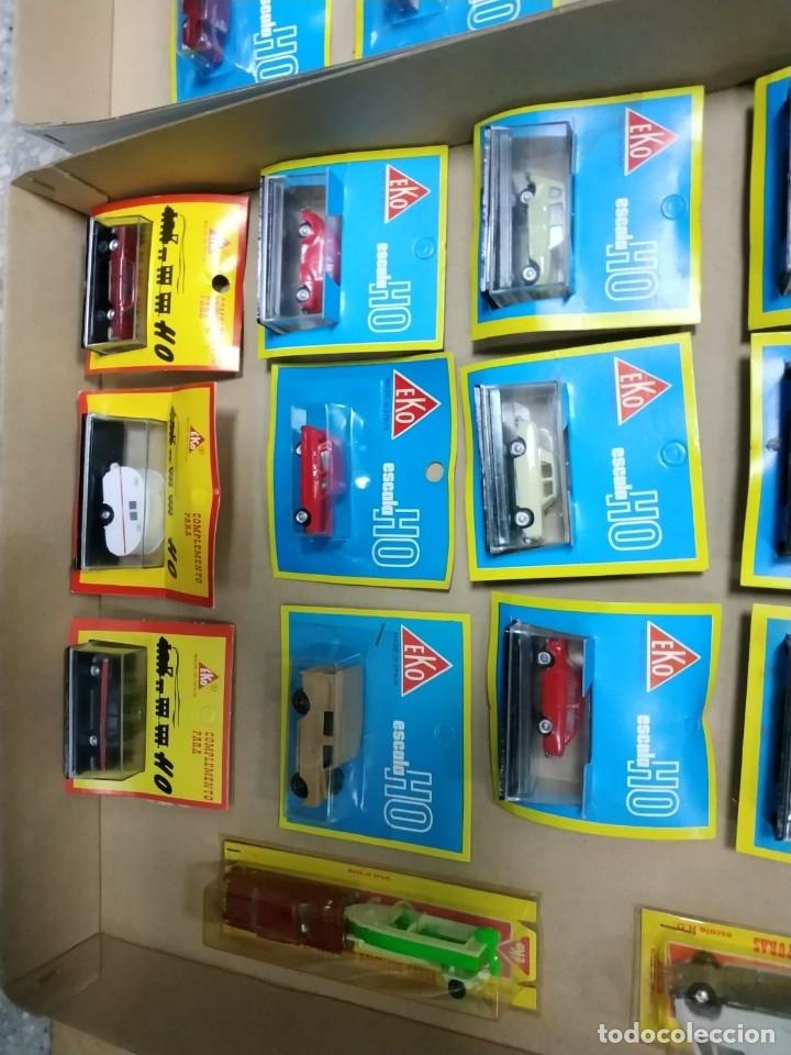 Coches a escala: Lote de 34 vehículos EKO escala HO, nuevos en blister: Pegaso, Seat, Citroen, Barreiros,etc... - Foto 2 - 141116370