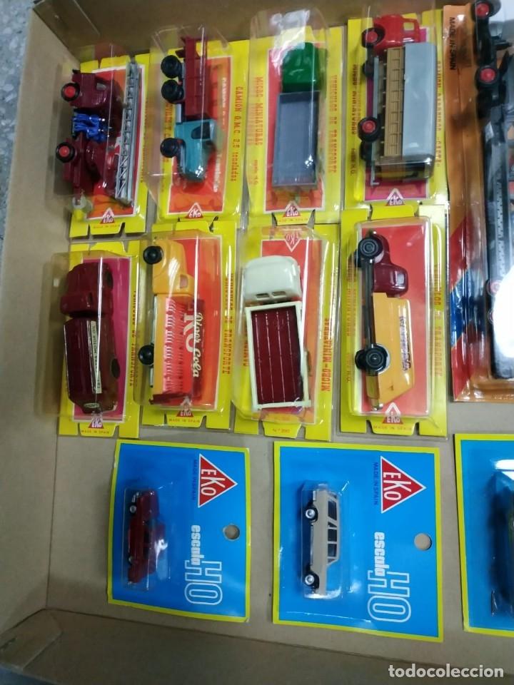 Coches a escala: Lote de 34 vehículos EKO escala HO, nuevos en blister: Pegaso, Seat, Citroen, Barreiros,etc... - Foto 5 - 141116370