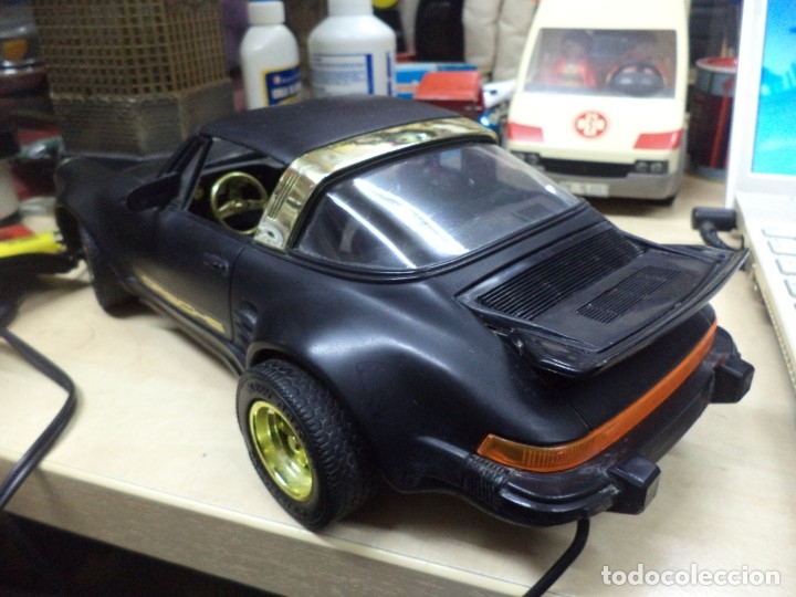 Coches a escala: Porsche Turbo Targa Esc.1/15 aprox con mando a distancia.New Bright 1987. - Foto 3 - 210944889