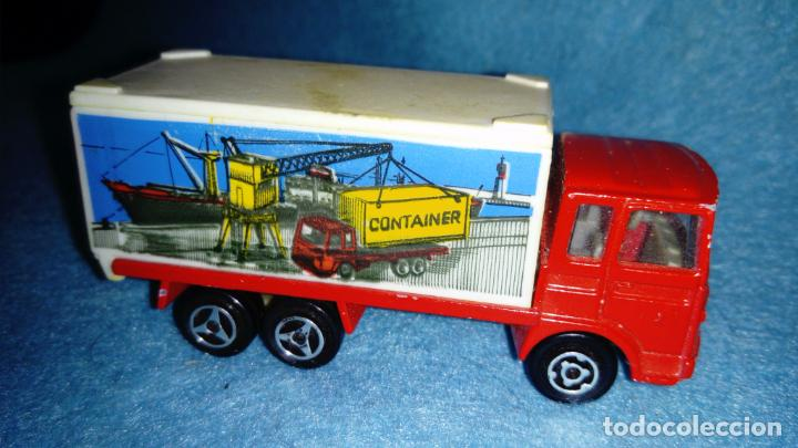 Coches a escala: VINTAGE MAJORETTE SAVIEM CAMION CONTAINER ESCALA 1/100 METAL MADE IN FRANCE PROMOCIONAL GUISVAL - Foto 2 - 147413590