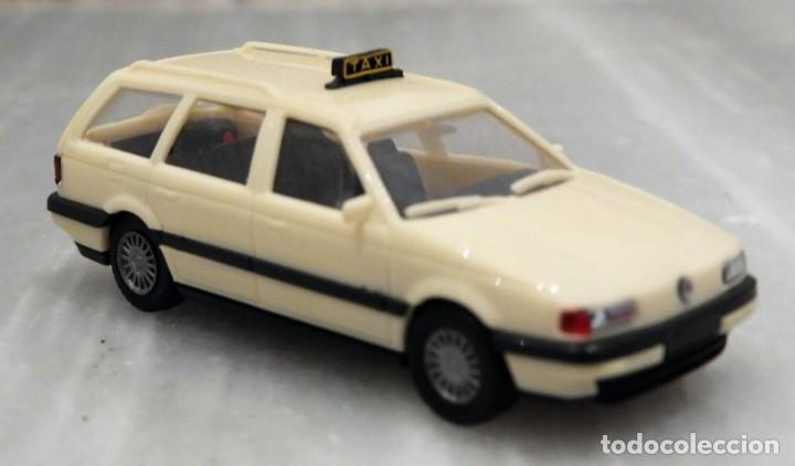 Coches a escala: COCHE VW PASSAT VARIANT - TAXI - 1/87 - HERPA - Foto 1 - 147776598