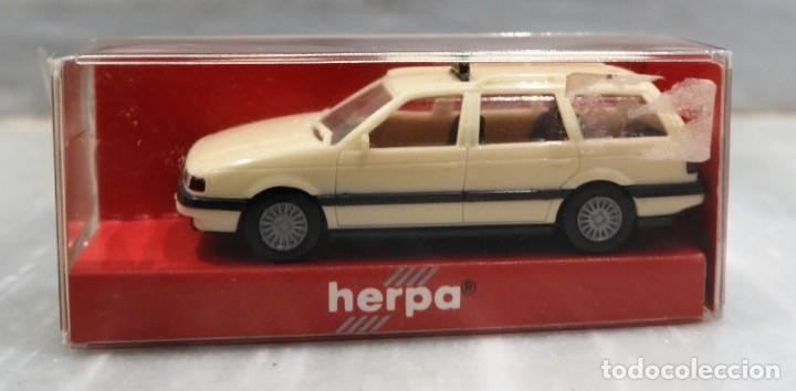 Coches a escala: COCHE VW PASSAT VARIANT - TAXI - 1/87 - HERPA - Foto 3 - 147776598