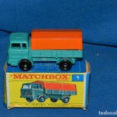 Coches a escala: (M) MATCHBOX SERIES 1 MERCEDES TRUCK CON CAJA, BUEN ESTADO, LA CAJA ESTA ALGO ARRUGADA. Lote 150142822