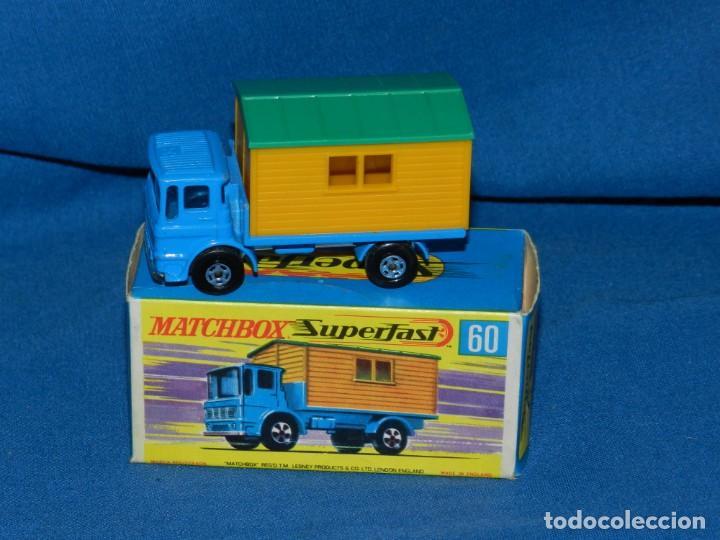 (M) MATCHBOX SUPERFAST 60 OFFICE SITE TRUCK CON CAJA, BUEN ESTADO (Juguetes - Coches a Escala Otras Escalas )