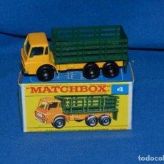 Coches a escala: (M) MATCHBOX SERIES 4 STAKE TRUCK CON CAJA, BUEN ESTADO. Lote 150143538