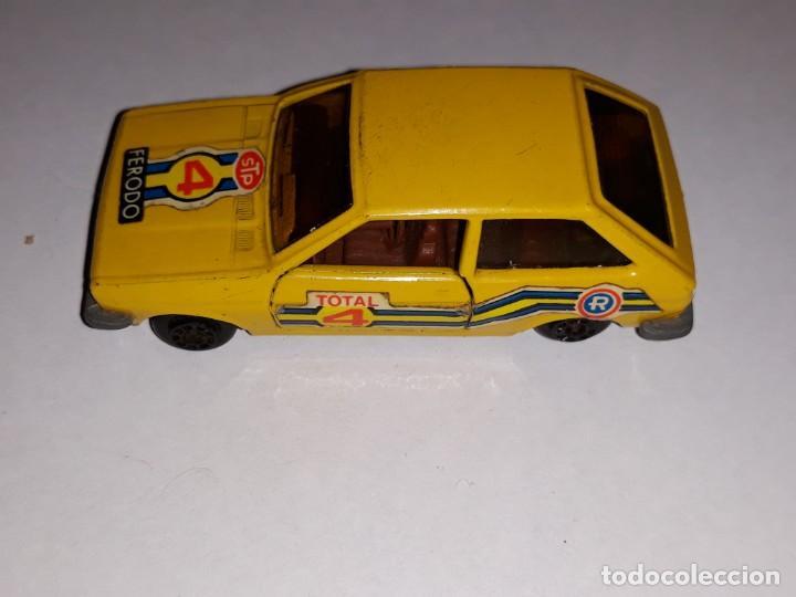 Model Cars: antiguo coche guiloy ford fiesta amarillo ref 611001 made in spain años 70 - Foto 2 - 150980610
