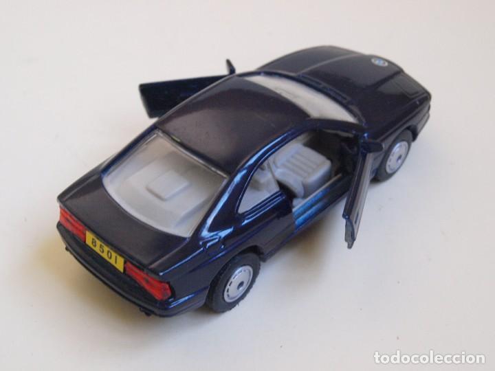 Coches a escala: MAISTO - BMW 850i - NEGRO - METAL/PLASTICO - ESCALA 1/40 - Foto 4 - 152345422