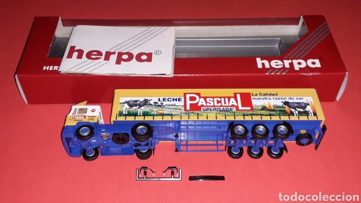 Coches a escala: Camión Man F-2000 M. Sanz Leche Pascual Uperisada, plástico esc. H0 1/87, Herpa Germany. Con caja. - Foto 5 - 153892582