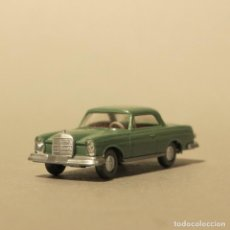 Coches a escala: WIKING MERCEDES MB 250 SE COUPE VERDE 1966 – 1968. Lote 165772822
