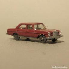 Coches a escala: WIKING MERCEDES MB 200 ROJO 1969 – 1971. Lote 165775702