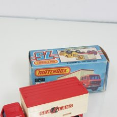 Coches a escala: MATCHBOX 42 MERCEDES CONTAINER TRUCK. Lote 166280744