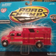 Coches a escala: ROAD CHAMPS 1997, FIRE RESCUE SERIES, ESCALA 1/64. LOUISVILLE. Lote 166668462