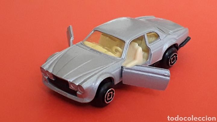 Coches a escala: Jaguar XJ-12 ref. 10, metal esc. aprox. 1/64, Guisval Ibi Spain, serie Campeón, años 80. - Foto 2 - 167755468