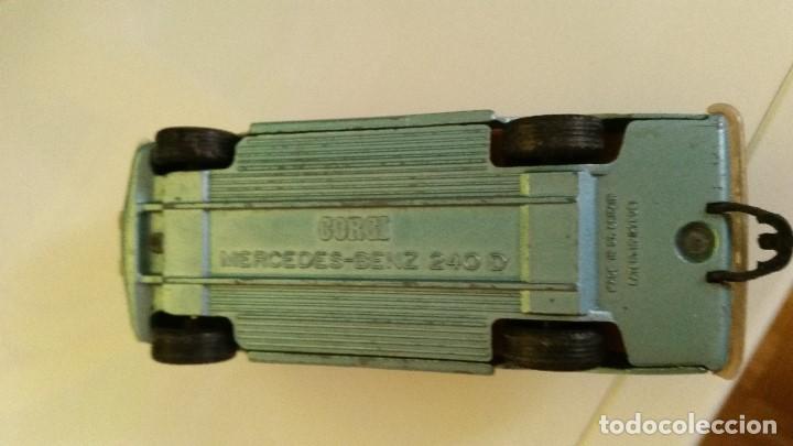 Coches a escala: ANTIGUIO COCHE CORGI MERCEDES.BENZ 240.D MAD BRITANI Patenten.1278081 - Foto 7 - 167872720