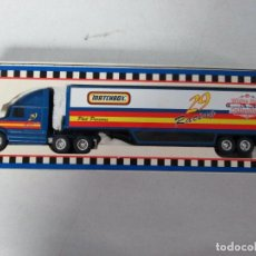 Coches a escala: CAMION BUSCH GRAND NATIONAL SUPER STARS TRANSPORTER MATCHBOX RACING ESCALA 1/64 METAL - 31.CM LARGO. Lote 168303664