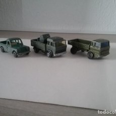 Coches a escala: LOTE 2 VEHÍCULOS MILITARES GUISVAL + MERCEDES MATCHBOX. LAND ROVER Y MAGIRUS MADE IN SPAIN 70'S.PTOY. Lote 172000219