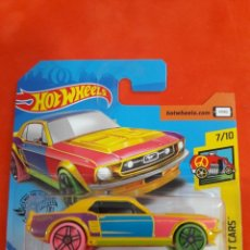 Coches a escala: HOT WHEELS '67 FORD MUSTANG COUPE ART CARS 7/10. Lote 194537381